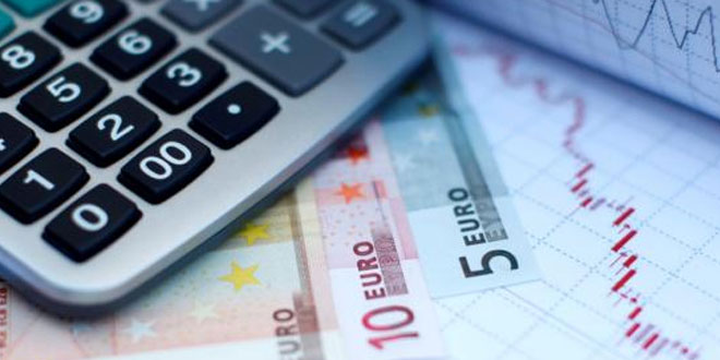 Ajuda externa: 'Troika' regressa a Portugal para 12.ª e última avaliação ao  Programa de Assistência Económica e Financeira.